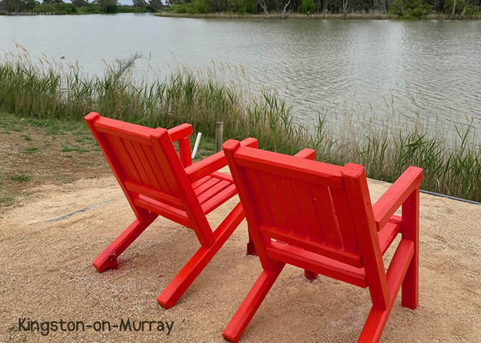 River-Red-Chairs-KOM